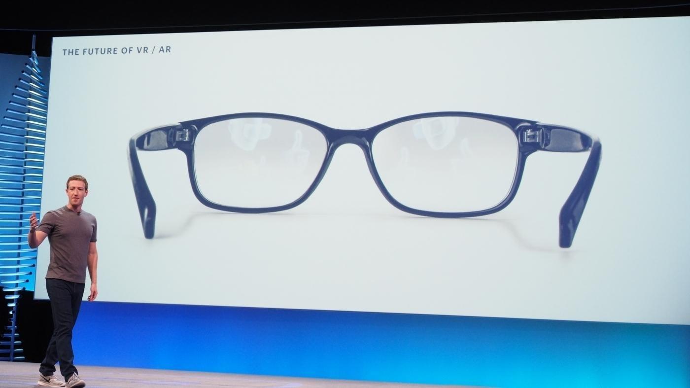Facebook запатентовал очки с дополненной реальностью