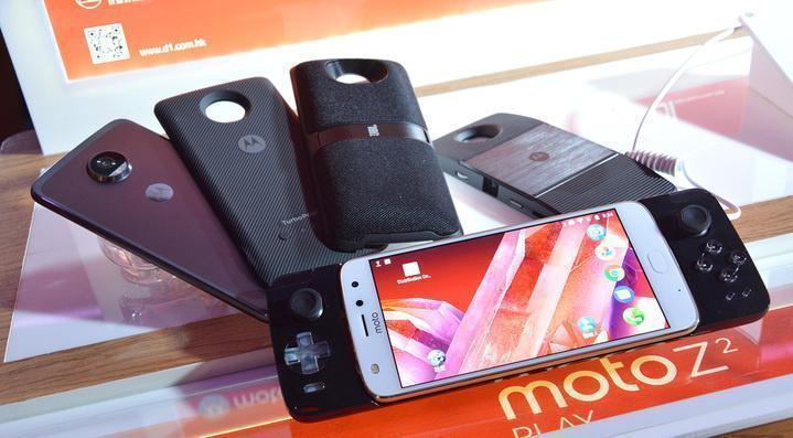 dims e1502434208574 - Motorola выпускает джойстик для Moto Z
