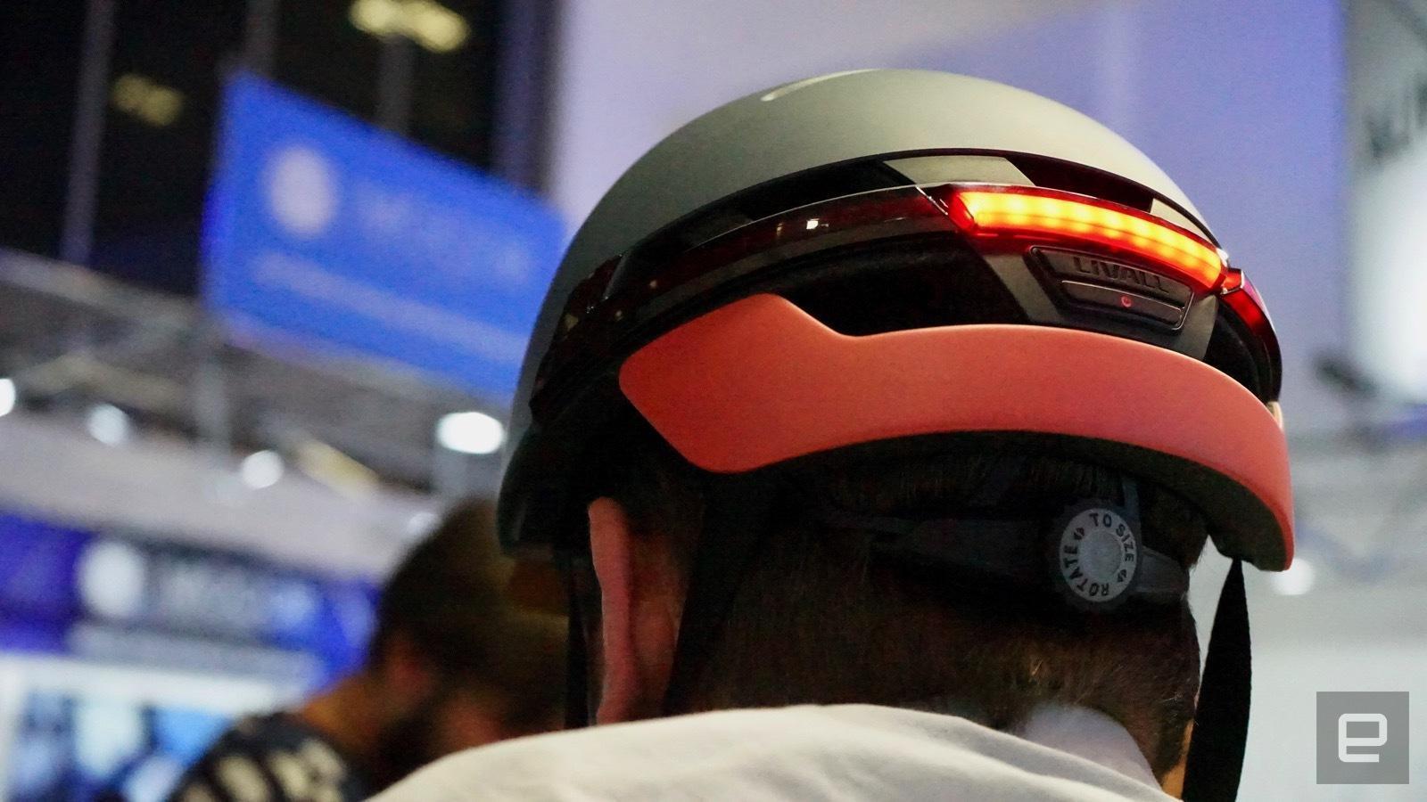 Шлем Livell IFA 2017. Livell показала велошлем в стиле Робокопа