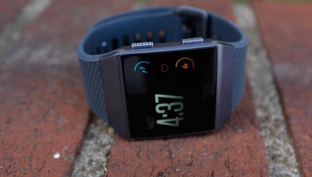 У умных часов Fitbit Ionic появились проблемы
