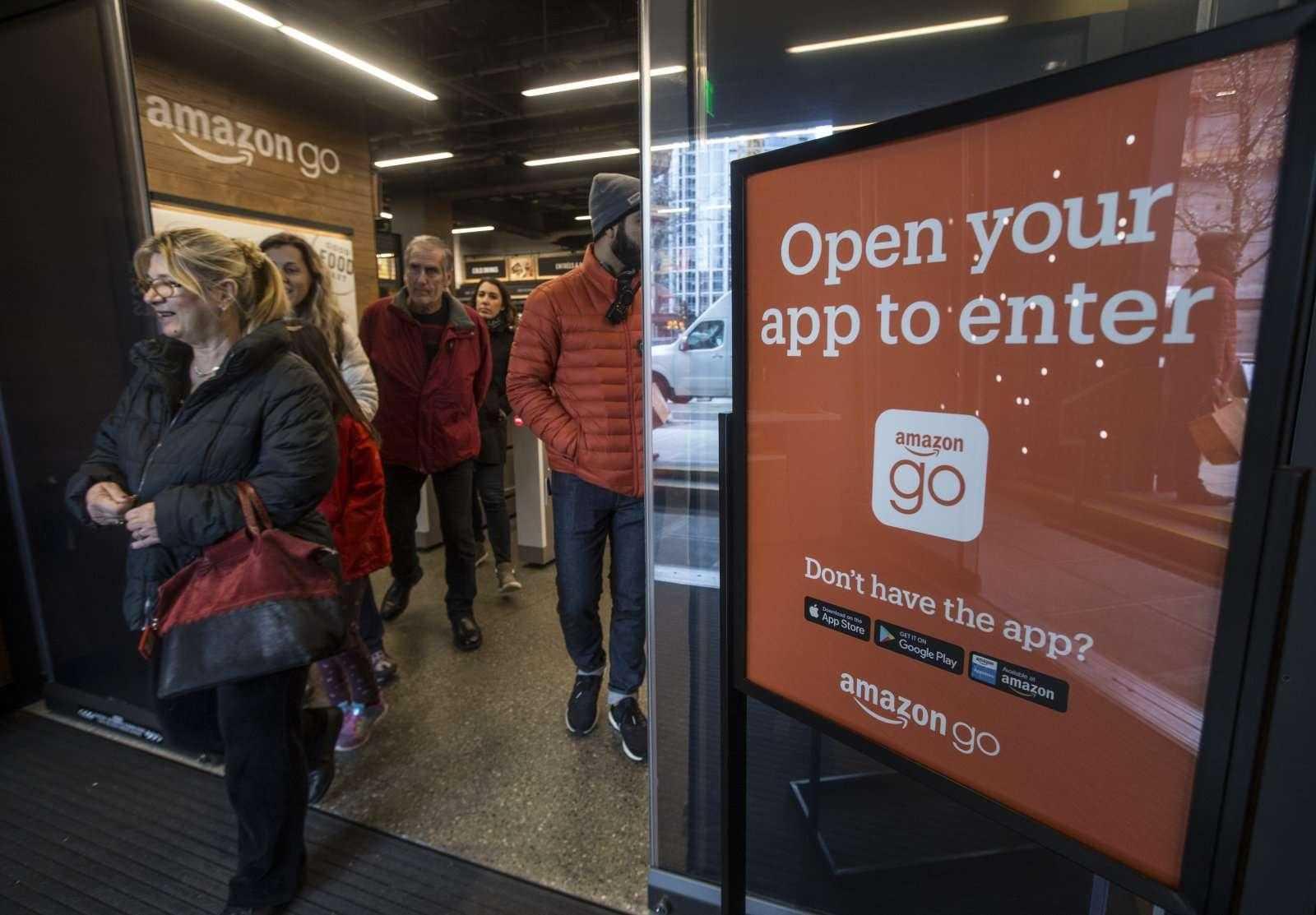Amazon открыл в Чикаго магазин без кассиров