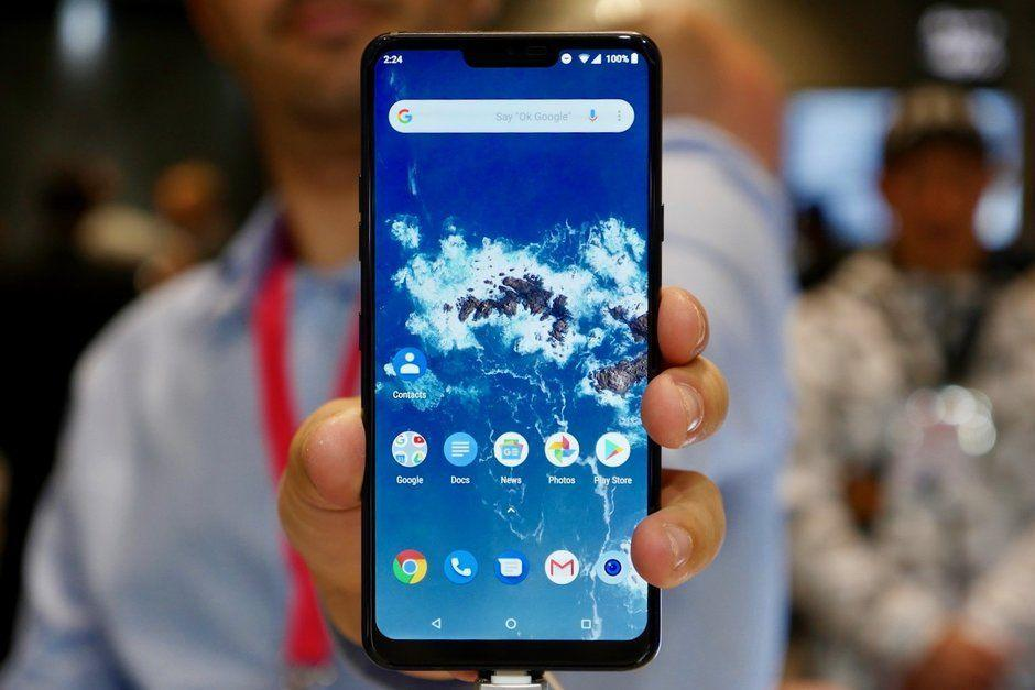 lg-g7-one-hands-on-preview-lgs-first-android-one-phone-is-fast-and-looks-good Продажи телефонов Android One выросли более чем на 250% в 2018 году, Android Go тоже пользуется спросом