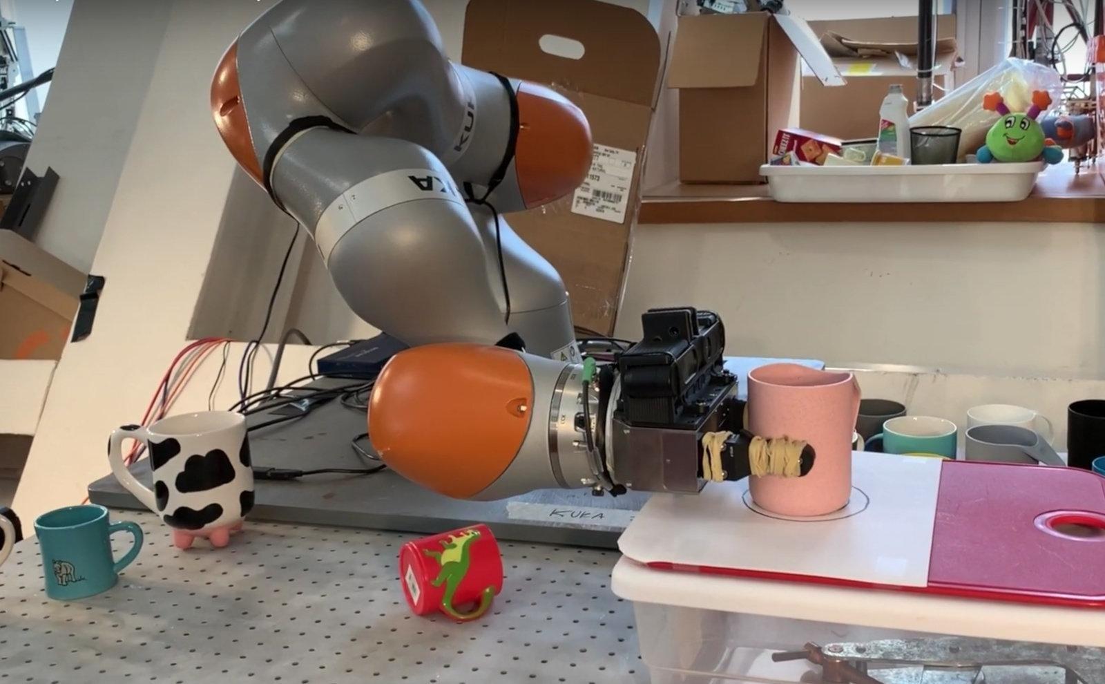 Ученые MIT создали программу, которая научит роботов обращаться с любыми объектами