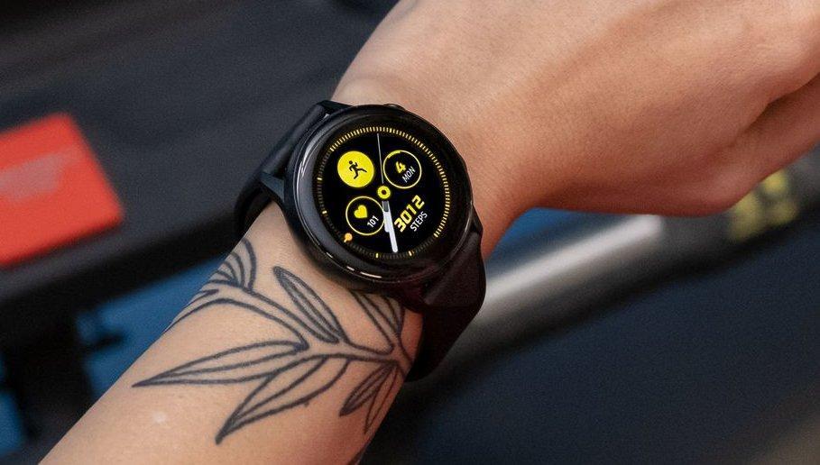 В России начались продажи Samsung Galaxy S10 и Galaxy Watch В России начались продажи Samsung Galaxy S10 и Galaxy Watch