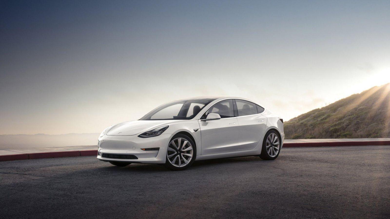 Tesla повышает цены на автомобили