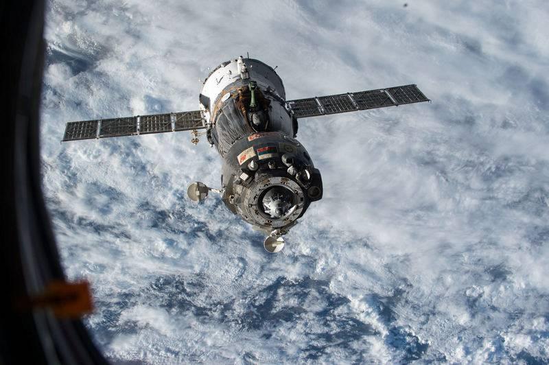 Корабль с роботом «Фёдор» не смог состыковаться с МКС