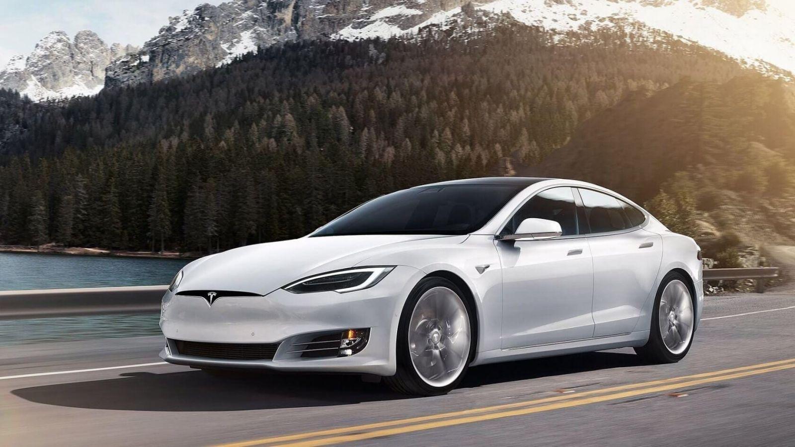 Tesla будет создавать свои аккумуляторы