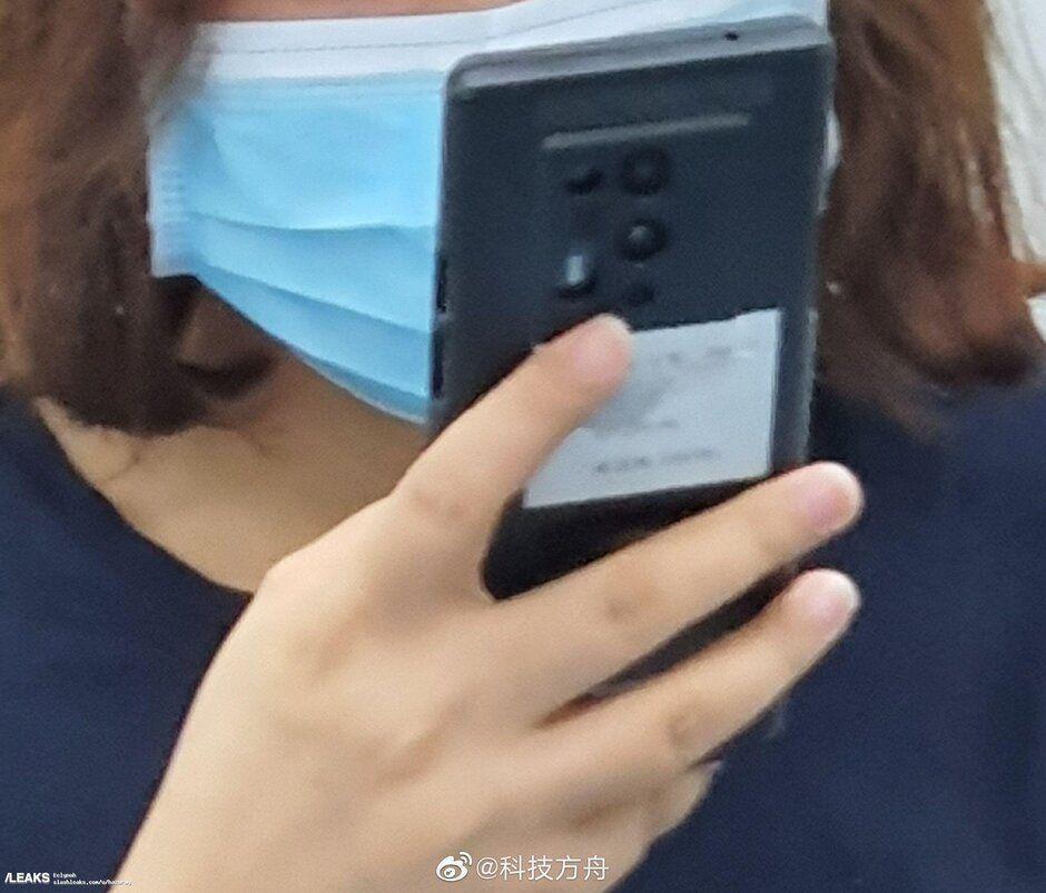 oneplus-8-pro-5g-spotted-in-subway Глава OnePlus раскрыл  несколько интересных сведений о предстоящем запуске смартфона OnePlus 8 Pro