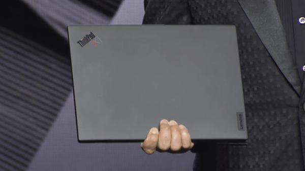 Lenovo представила ноутбук ThinkPad X1 Nano. Он весит меньше килограмма