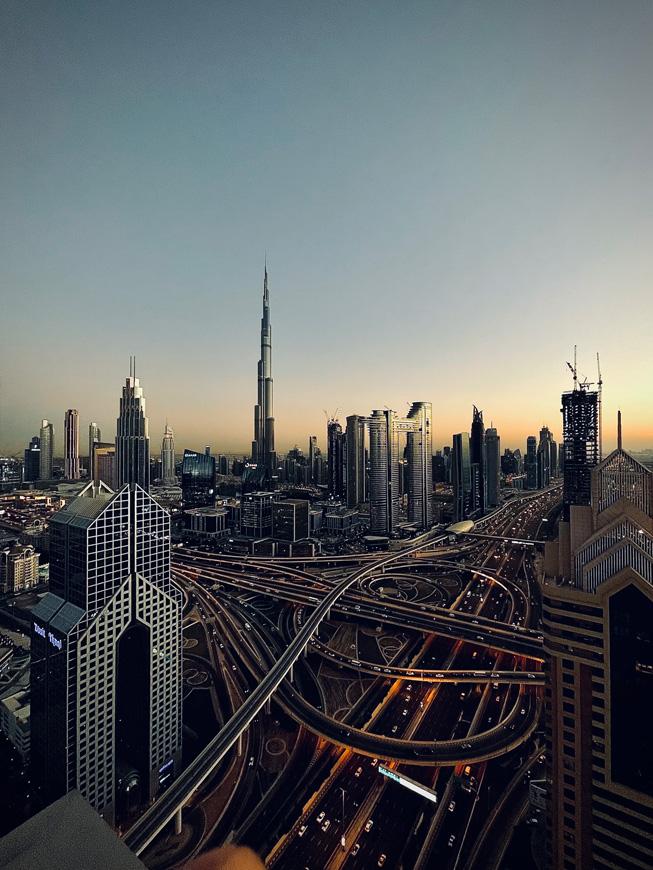 Снято на iPhone 12: портреты, городские пейзажи, ночное небо и многое другое (Apple ShotoniPhone abdullah shaijie middle east 011221 inline.jpg.large)