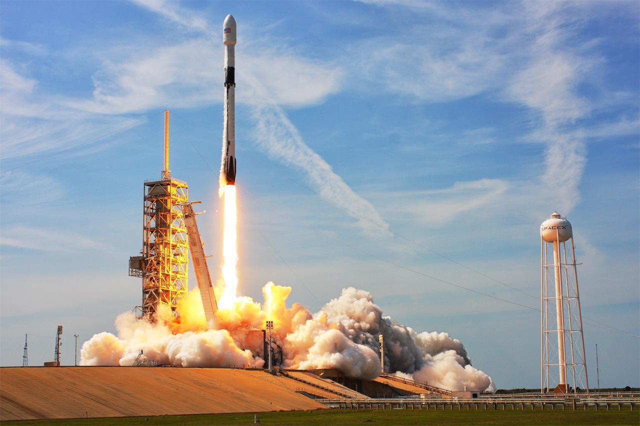 SpaceX Falcon 9 запустил более 100 спутников за один раз (falcon 9)