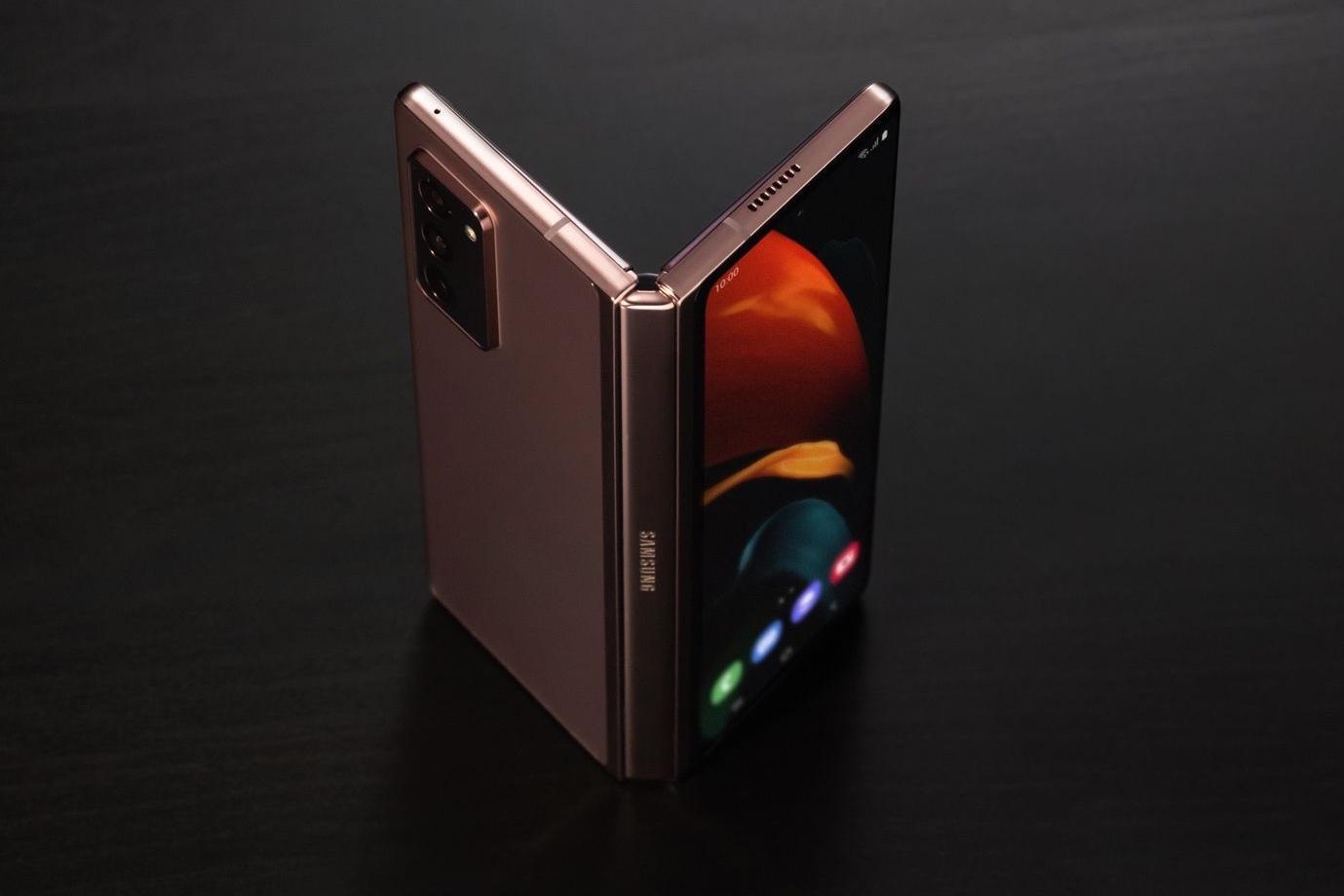 5 самых ожидаемых смартфонов года (galaxy z fold 3 rumors)