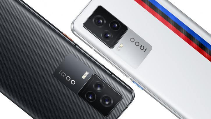 Представлен флагман iQOO 7: Snapdragon 888, экран 120 Гц и быстрая зарядка 120 Вт (oficialnye press foto vivo iqoo 7 v chernom i belom cvetah picture2 0 resize)