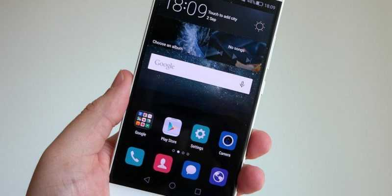 IFA 2015. Смартфон Huawei Mate S с Force Touch представлен официально (huawei mate s hands front)