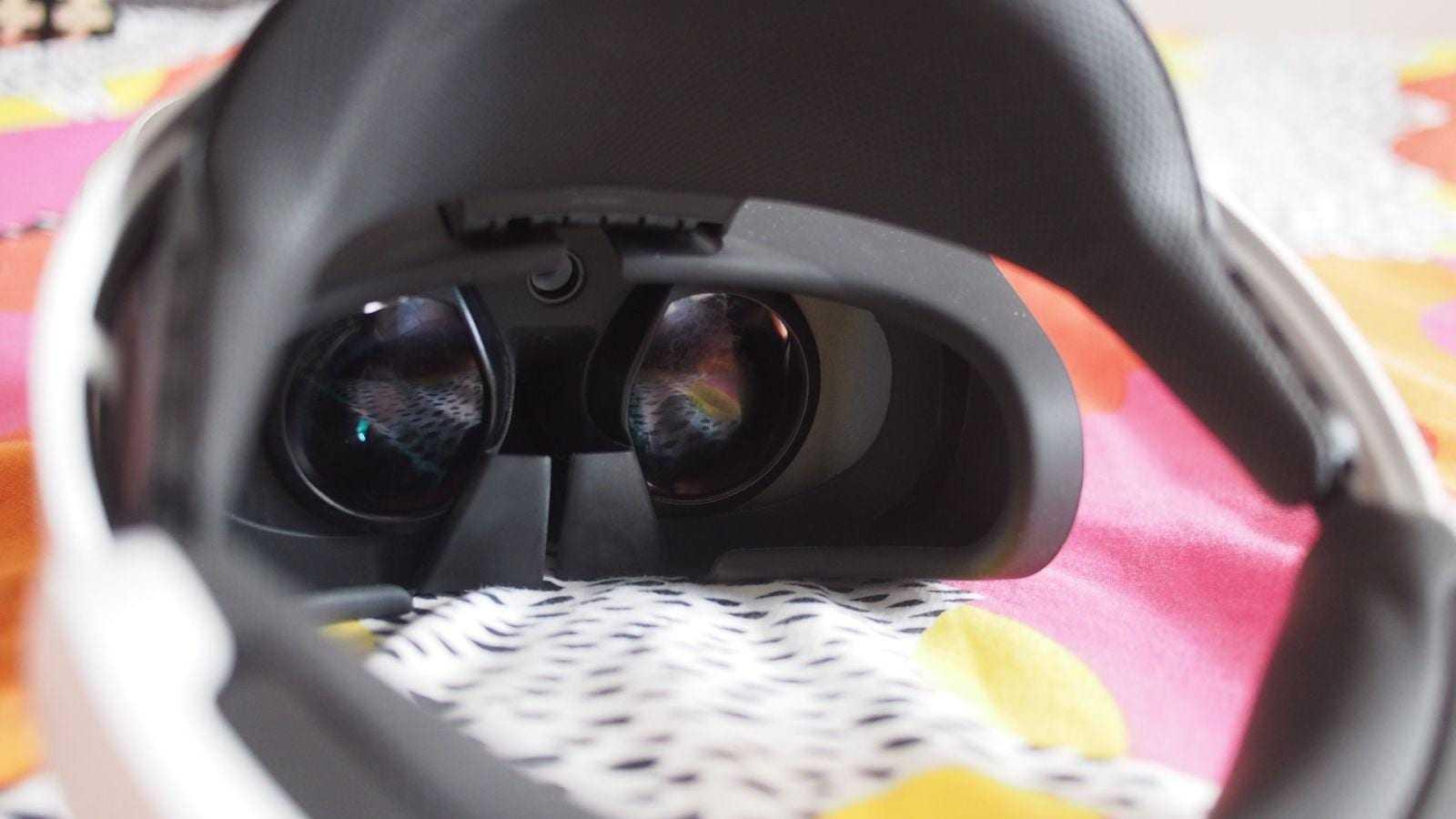 Линзы и каучуковая прокладка в PS VR
