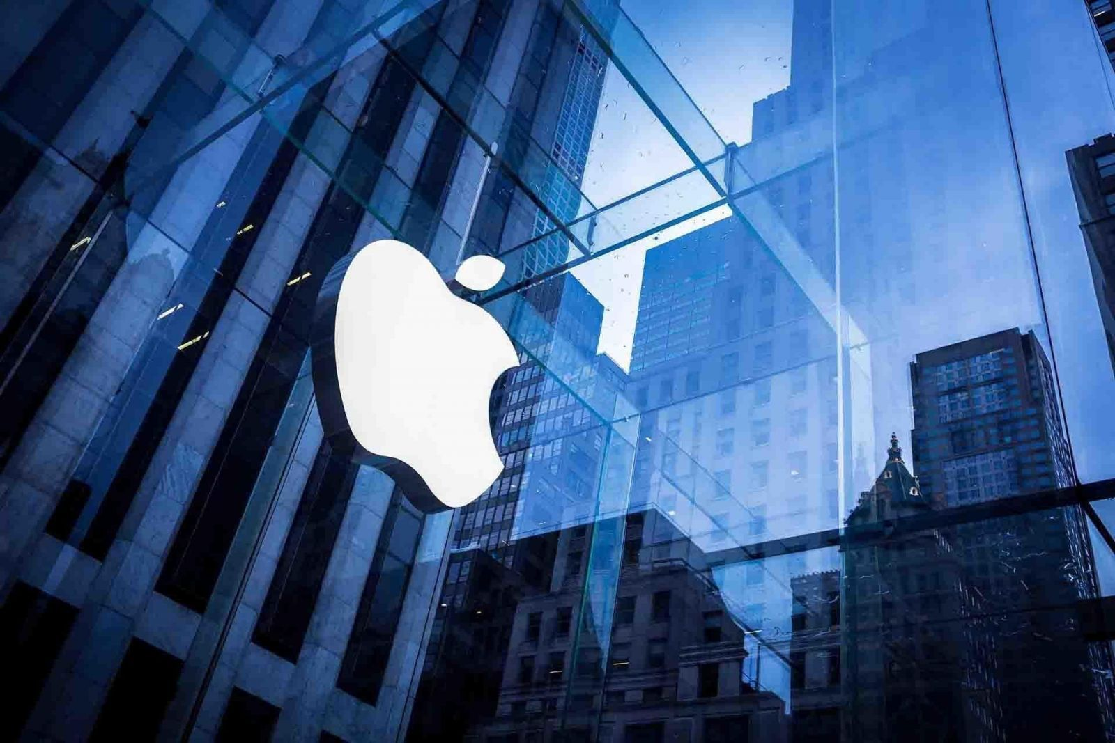 Apple 2 1920x1280 - Apple установила рекорд по продажам смартфонов