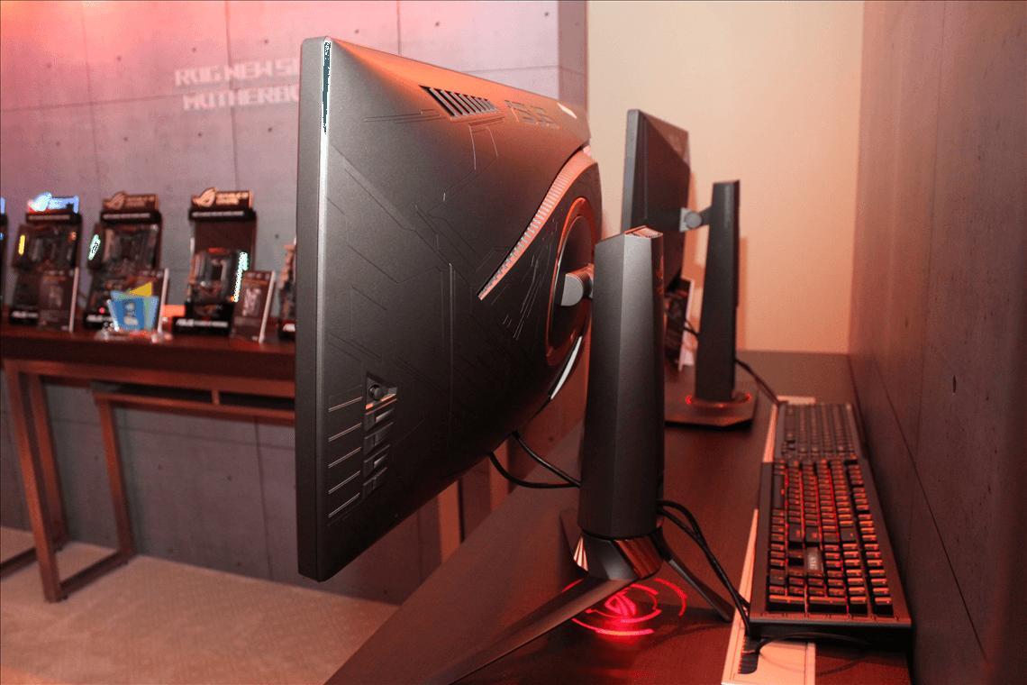 Asus ROG Swist PG27UQ 4 - ASUS представила игровой монитор ROG Swift с дисплеем на квантовых точках