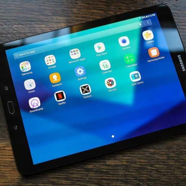 MWC 2017. Samsung показала новые планшеты и шлем (samsung galaxy tab s3 3258)