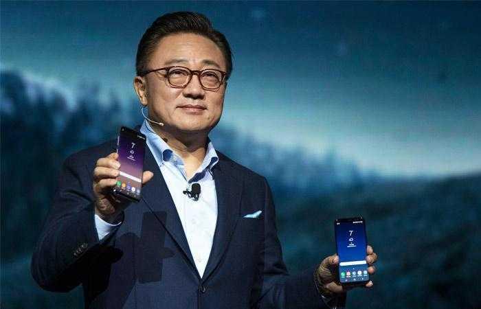 sms700 - Samsung официально представила новые флагманские смартфоны Galaxy S8 и Galaxy S8+