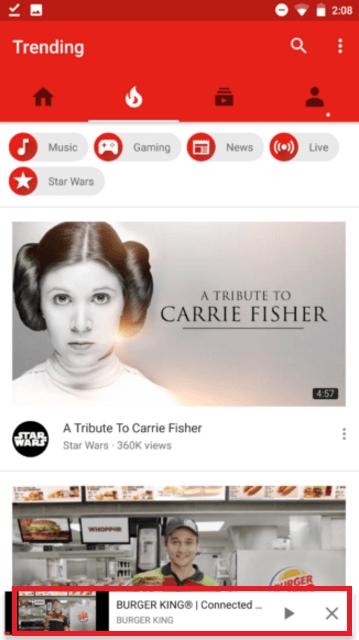 Google тестирует изменения пользовательского интерфейса для YouTube Android (New floating bar on bottom of YouTube includes Play or Pause options...)