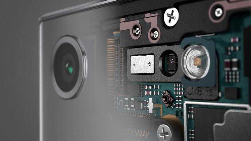 Sony представила флагман Xperia XZ Premium в России (Xperia XZ Premium 21)