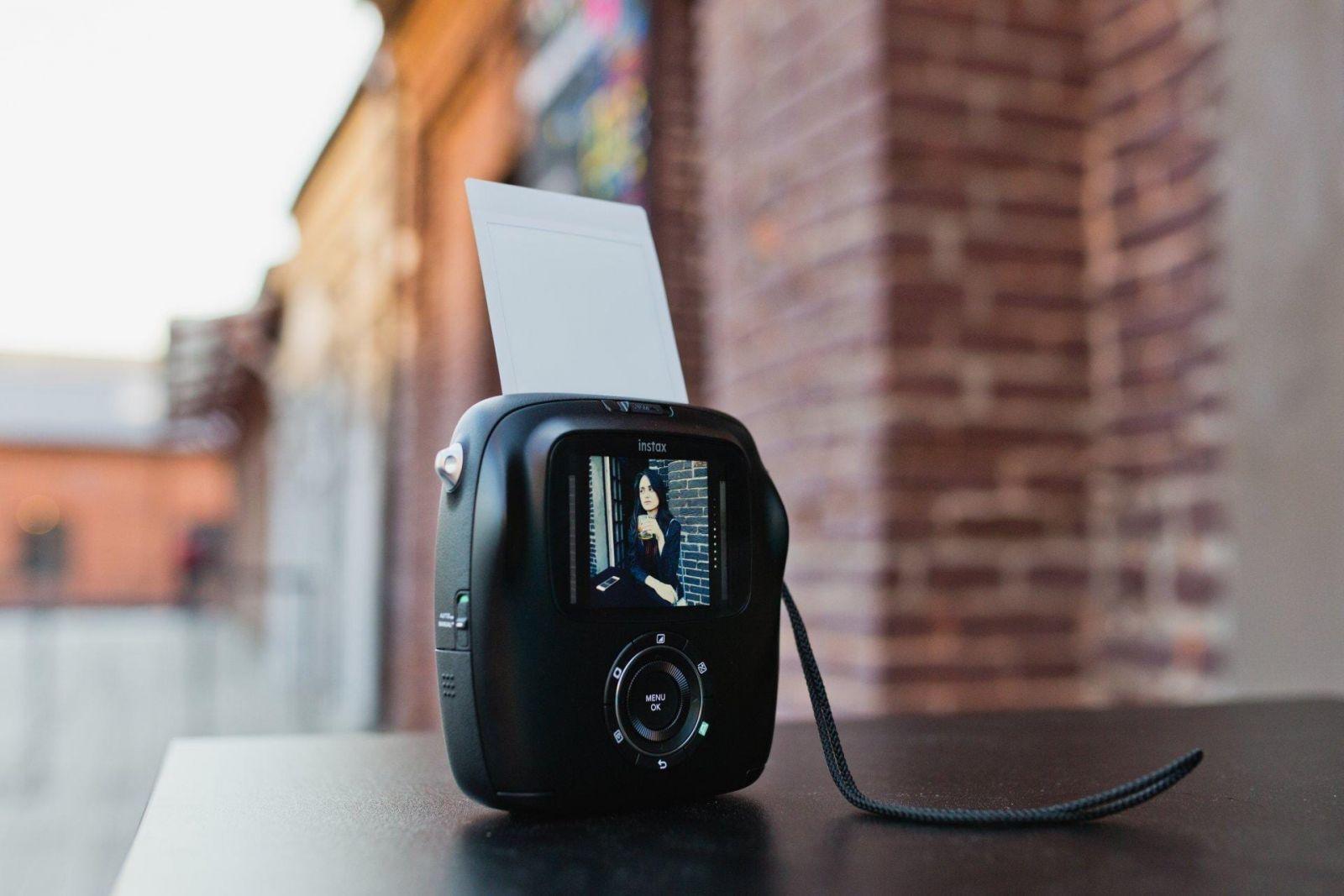 IMG 1181 - Fujifilm представила камеру Instax SQ10 в России