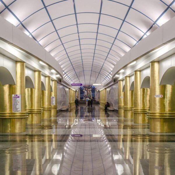 В метро Санкт-Петербурга запустили Wi-Fi (Metro SPB Line5 Mezhdunarodnaya c)