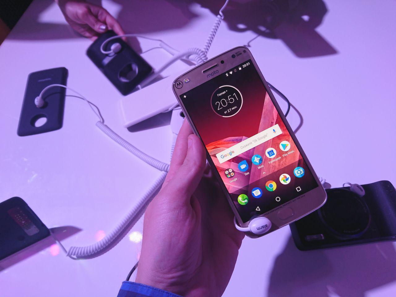 photo 2017 06 27 20 52 42 - Motorola Moto Z2 Play официально представлен в России