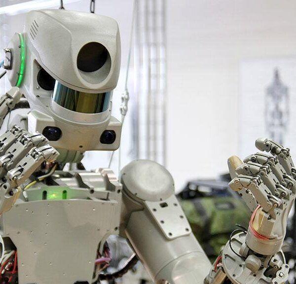 5 особенностей разработки российского робота Фёдора (fedor vs)