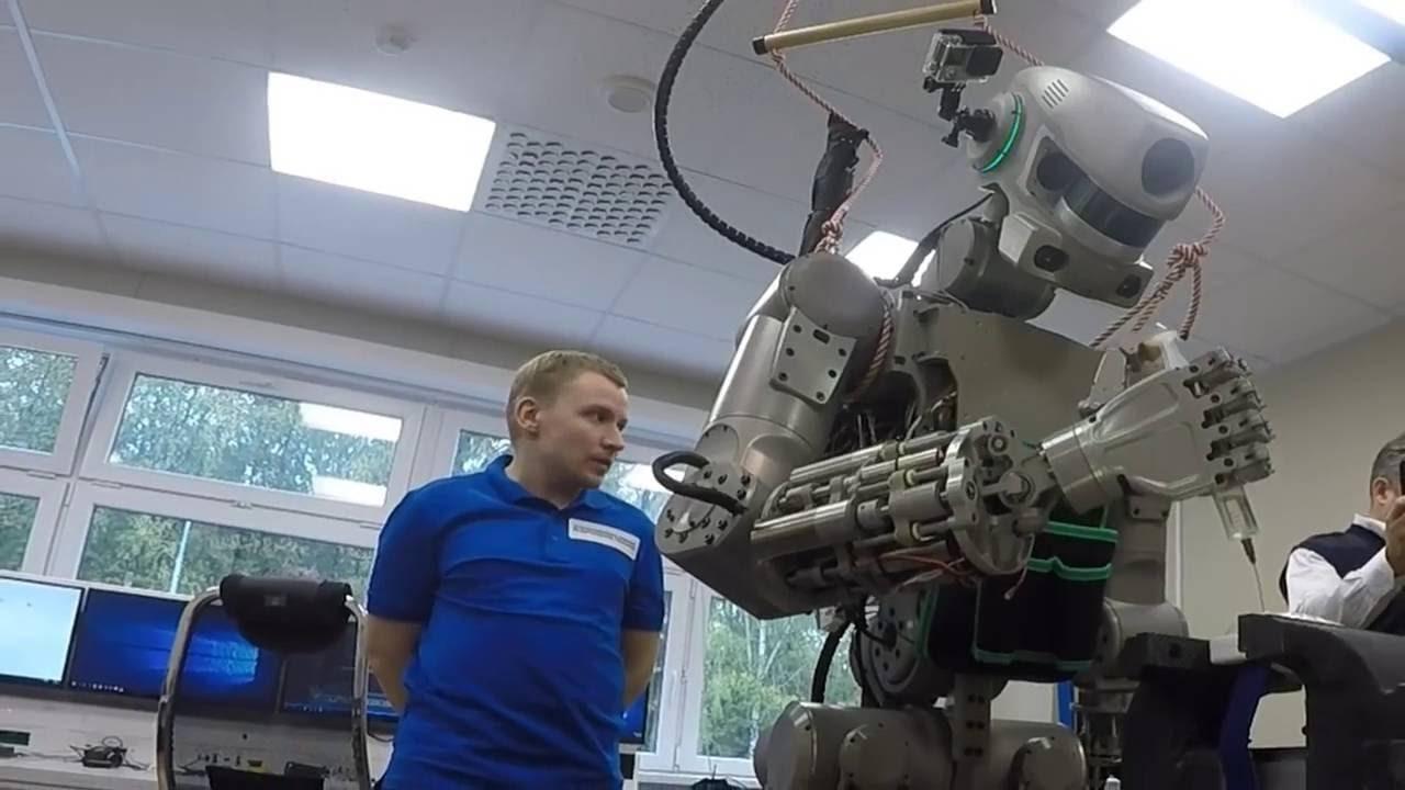 5 особенностей разработки российского робота Фёдора (maxresdefault 1)