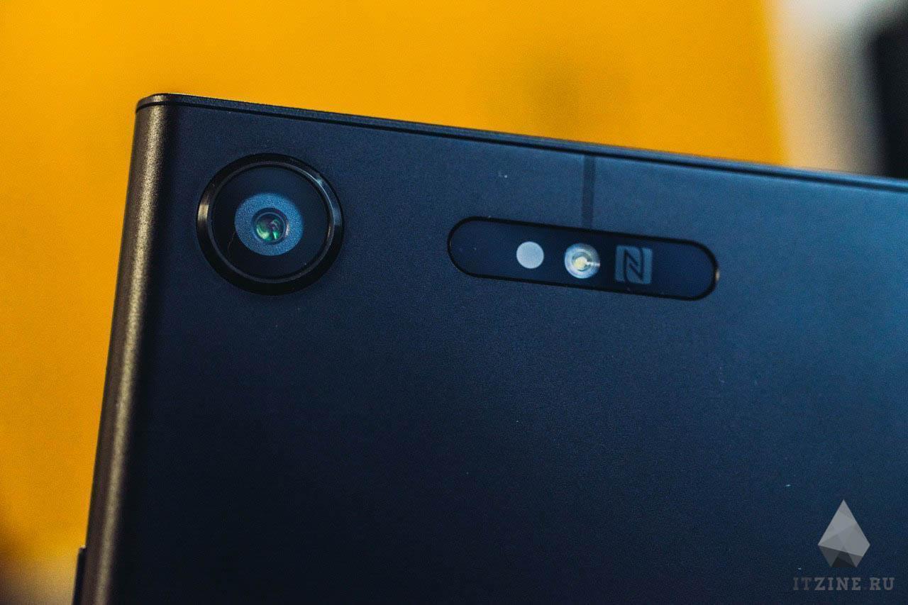 Камера и вспышка Sony Xperia XZ1