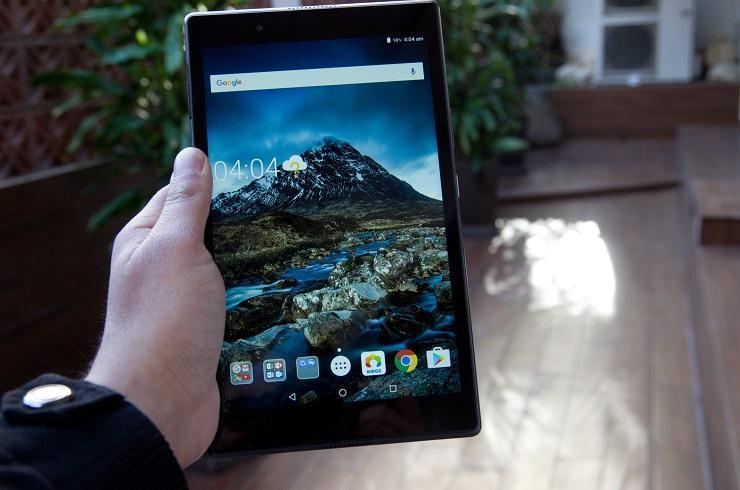 Lenovo начинает продажи семейных планшетов Lenovo Tab 4 (533592 lenovo s tab 4 tablets)