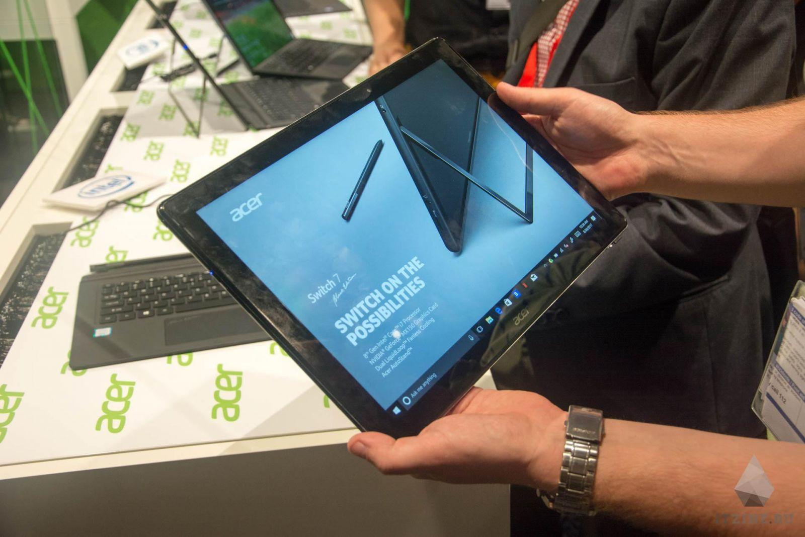 Acer Switch 7 в виде планшета