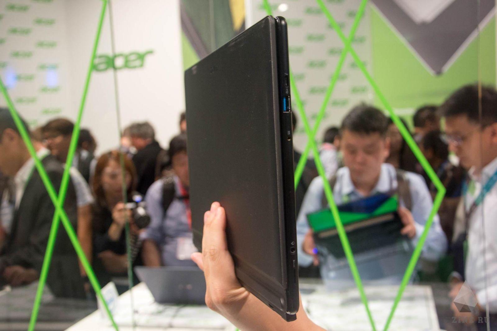 Вид сбоку на Acer Switch 7