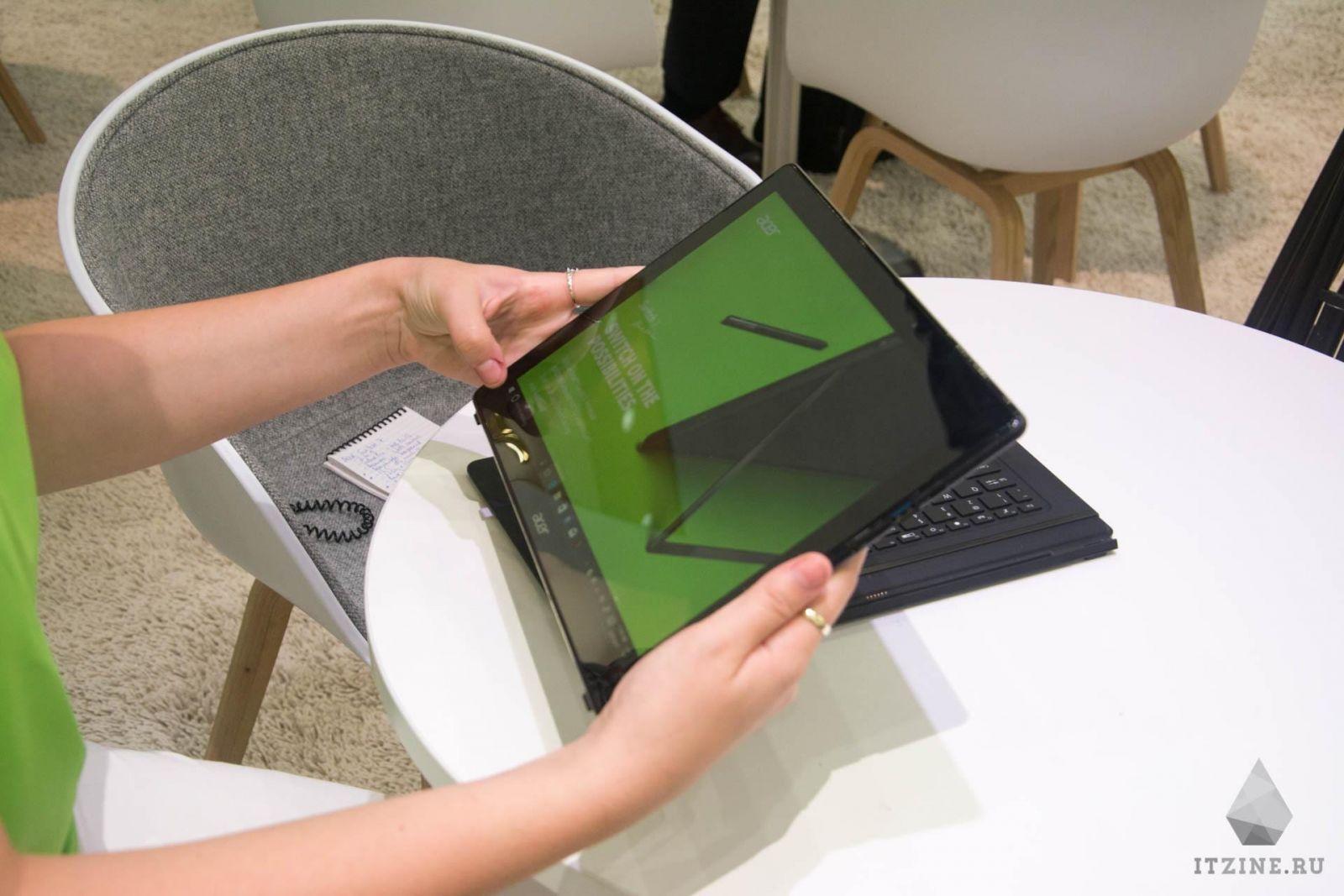 Acer Switch 7 в разобранном состоянии