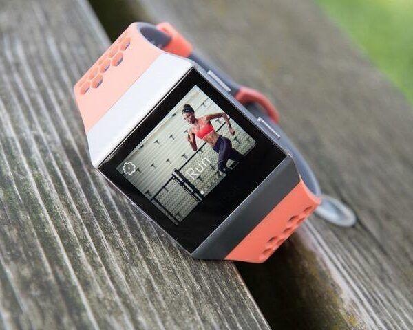 Fitbit представил свои первые умные часы Ionic (Fitbit Ionic Running Start Sports thumb)