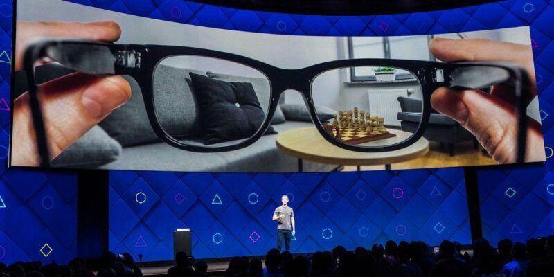 Facebook запатентовал очки с дополненной реальностью (augmented reality virtual reality ar vr facebook f8 2017 0144)