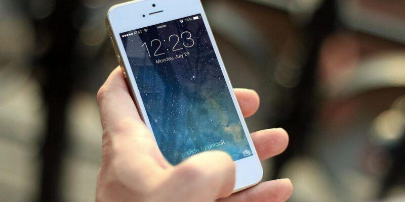 IPhone на IOS 11 собирает интимные фото пользователей в отдельную папку (iphone 410324 1920)