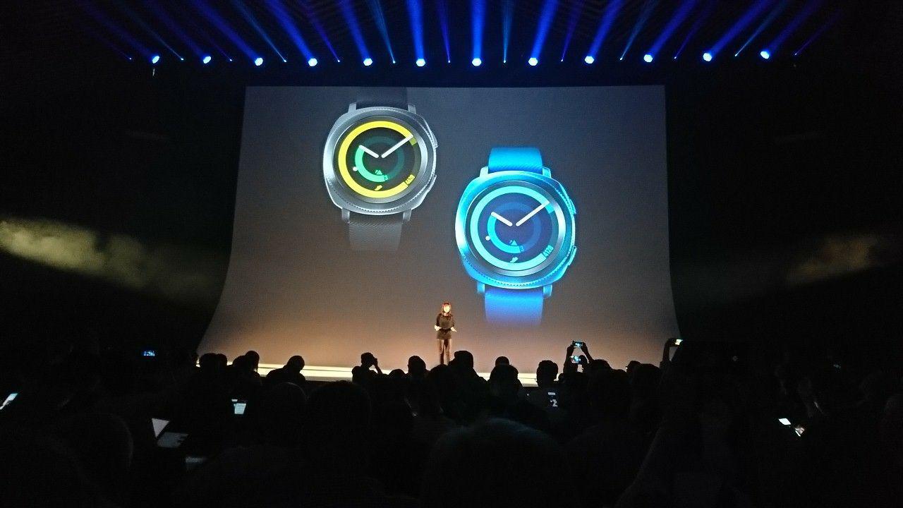 IFA 2017. Samsung переосмыслил умные часы Gear Sport (photo 2017 08 30 21 34 37)