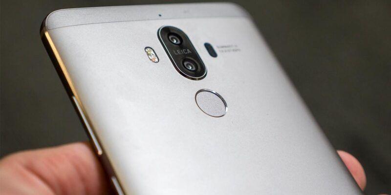 Huawei Mate 10 засветился в сети (141858 phones feature huawei mate 10 whats the story so far image1 5uamq9rku3)