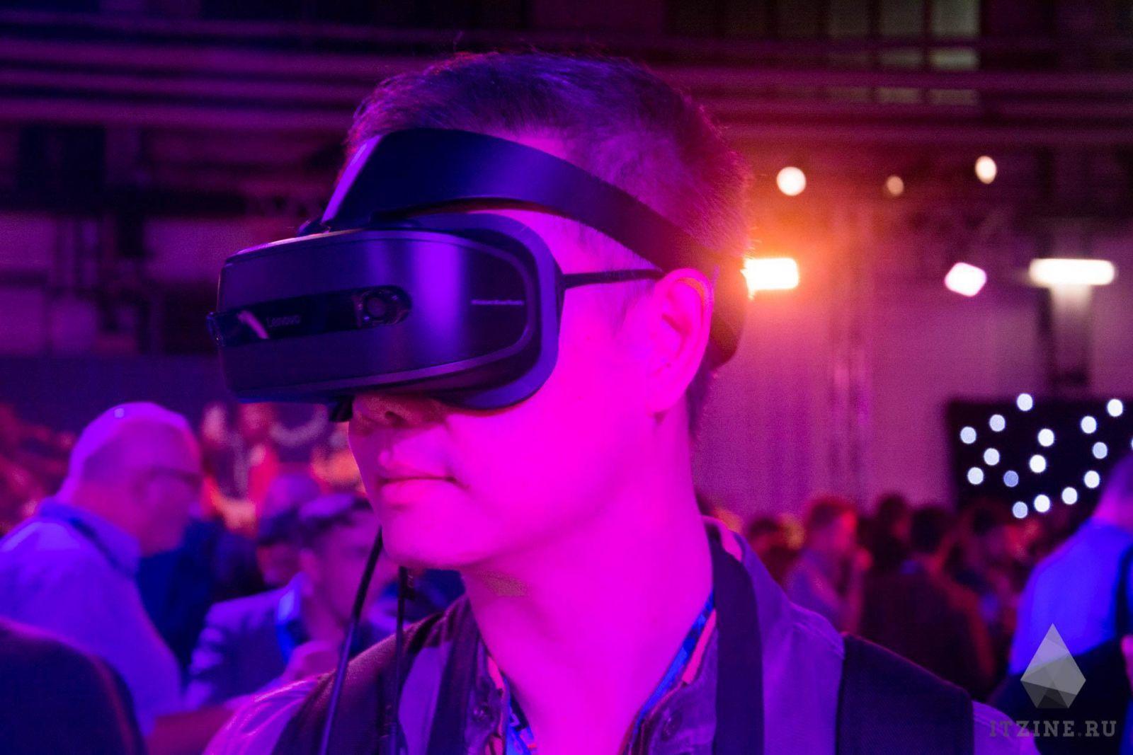 IFA 2017. Lenovo выпустила два VR/AR-шлема. Один со Star Wars и световым мечом (DSC 4768)