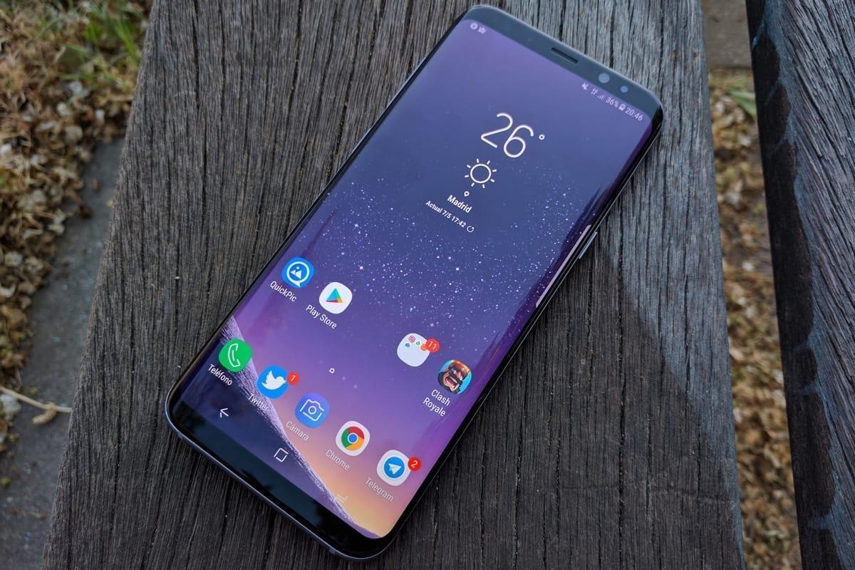 В Samsung Galaxy S9 сканер отпечатков пальцев встроят в дисплей (Samsung Galaxy S9 5)