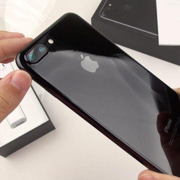 В России iPhone 7 Plus подешевел на 36 тысяч рублей (a2zFnI vUqE)