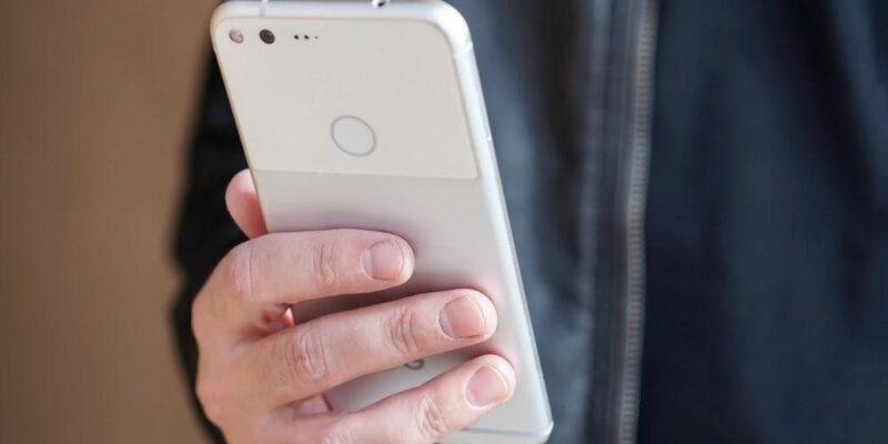Официально. Google покупает HTC (google htc acquisition 1)