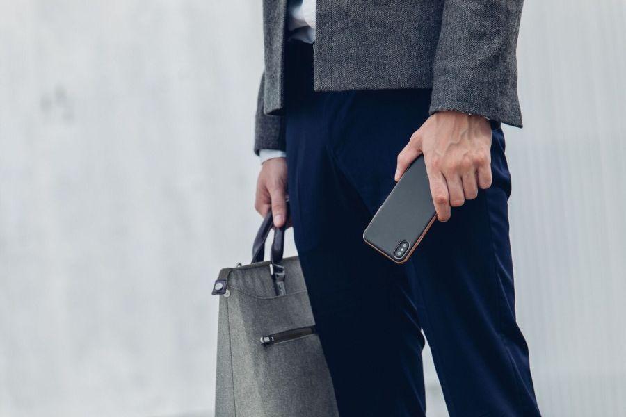 Moshi выпустила чехлы для iPhone 8 и iPhone X (iGlaze Armour Black LS)
