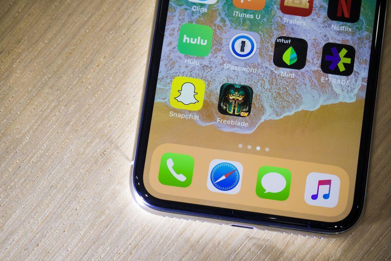 Безрамочный дизайн iPhone X