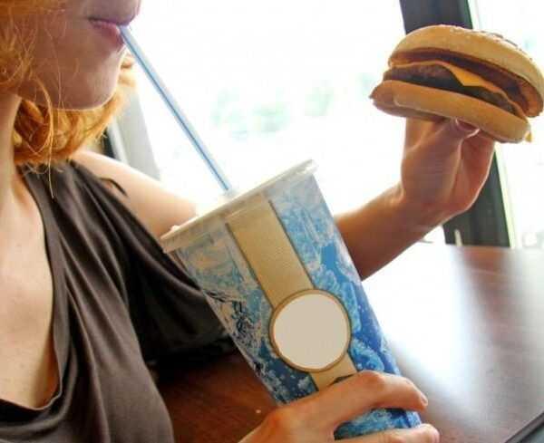 Google раскритиковали за эмодзи в виде чизбургера (870x489 0x0 detail crop 082404c03457354230f101486f18904f)