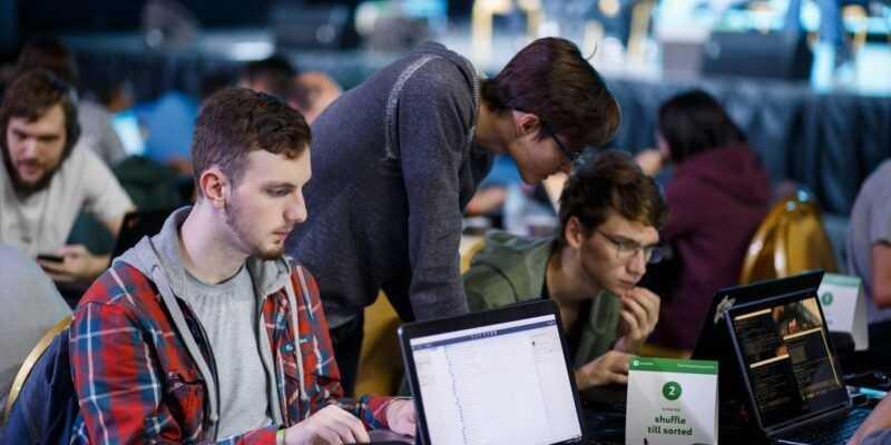 «ВКонтакте» подвела итоги трёхдневного хакатона (io8IfTipNHg)