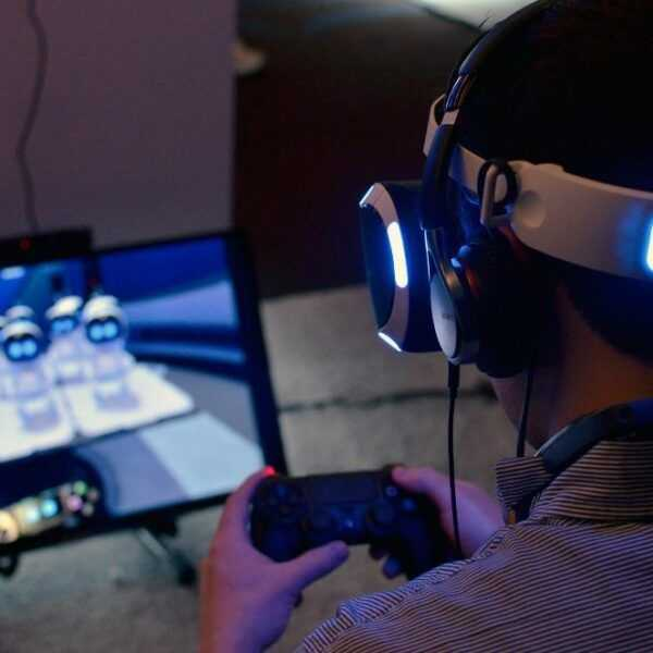 Sony обновила шлем виртуальной реальности PS VR (sony playstation vr headset ps4)