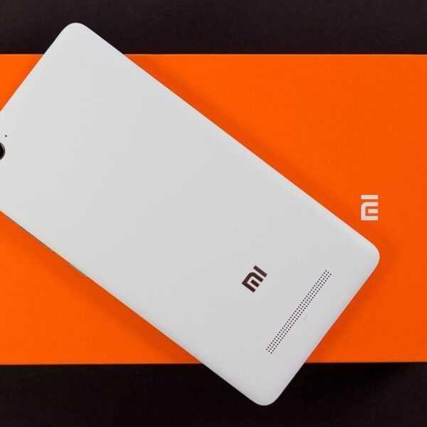 Рендер нового безрамочного смартфона Xiaomi Redmi (013546u3ig434o4lo4odho)